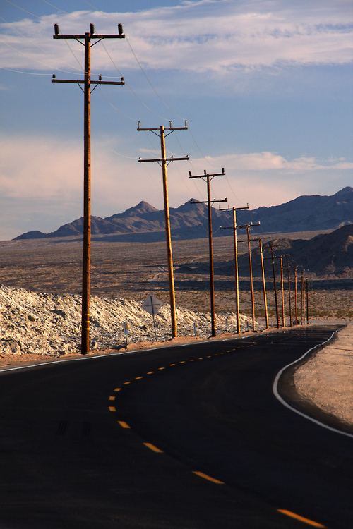 Ease down the roadArizona (by orvalrochefort)