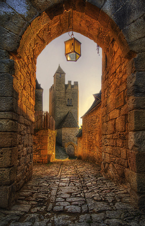 Old Archway in Beynac  France (by Jimmy McIntyre)