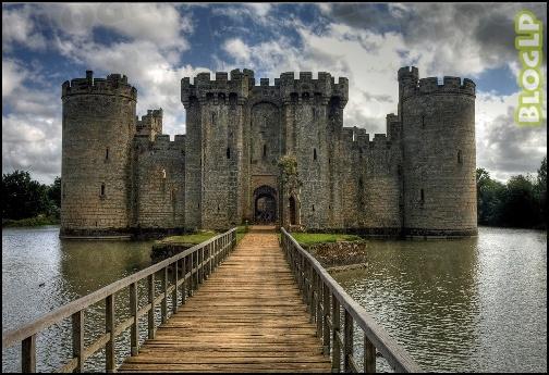 Range Stone Ponto Turistico ~ Castelos medievais débora bonetto