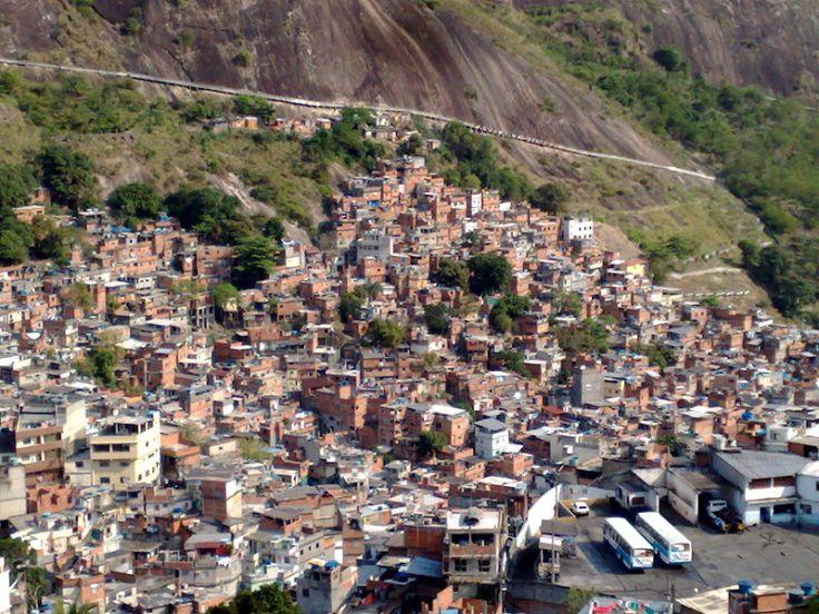 800px-Rocinha_Favela